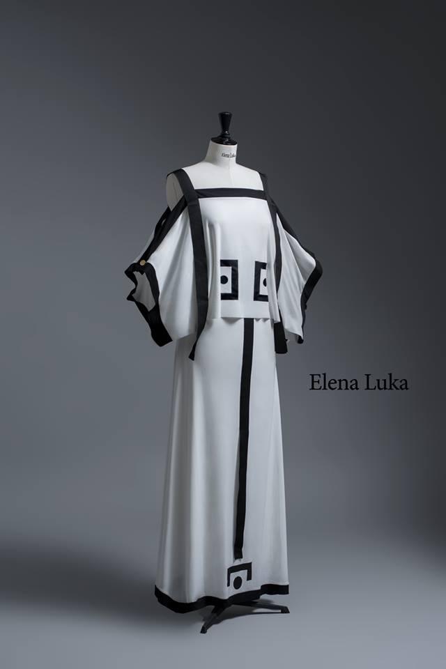 Must have  Црно белa комбинација со ориентална естетика