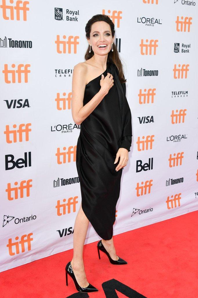 Анџелина Џоли   дефиниција за елеганција на филмскиот фестивал во Торонто
