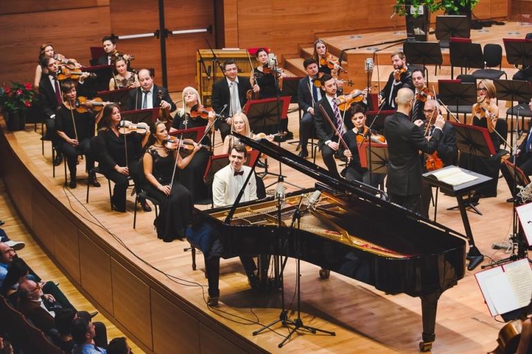 recital-na-pijanistot-dino-imeri-vo-makedonskata-filharmonija