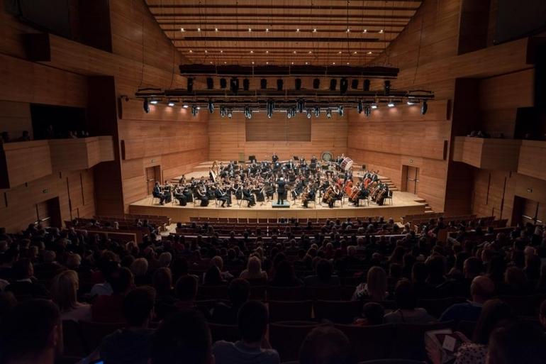 Во новата година Македонската филхармонија стартува со настапот на пијанистичкиот виртуоз Даниел Харитонов