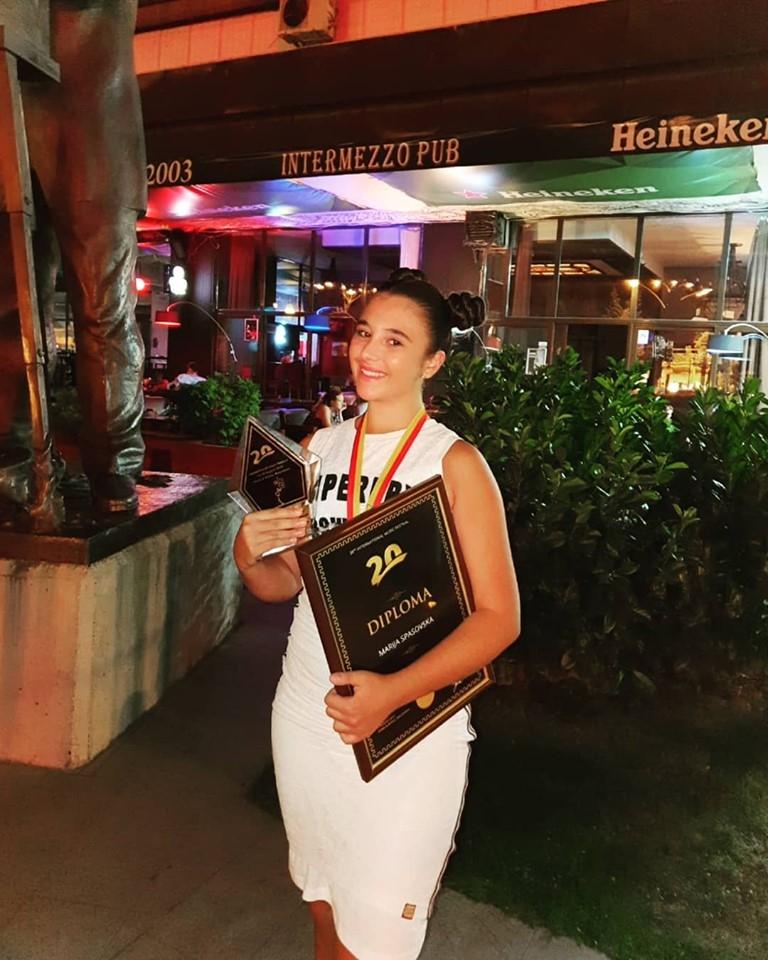 """Марија Спасовска прогласена за """"Најдобар пејач"""" на фестивалот за филмска музика """"Тра ла ла"""""""