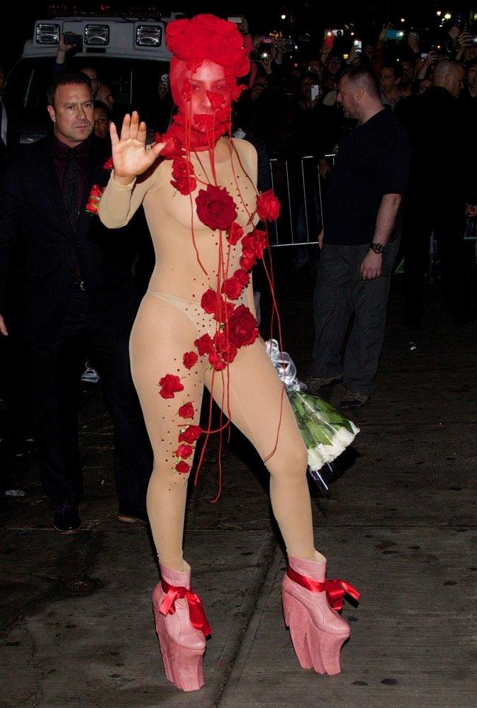 Лејди Гага 1,55м