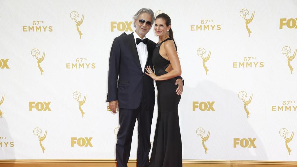 Андреа Бочели со сопругата