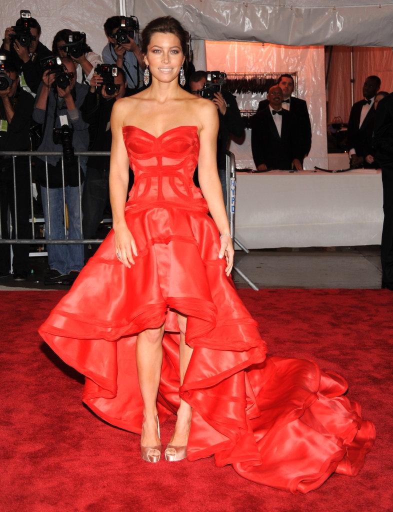 """2009 -  Џесика Бил во креација на """"Версаче"""""""
