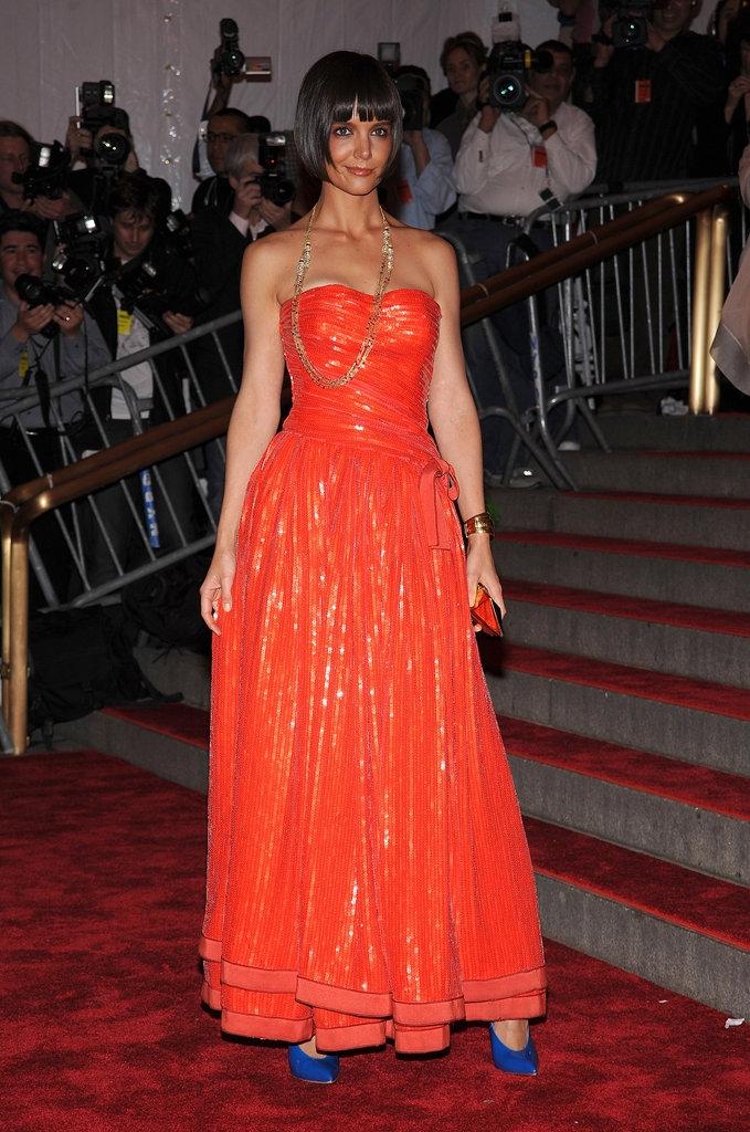"""2010 - Кети Холмс во креација на """"Армани"""""""