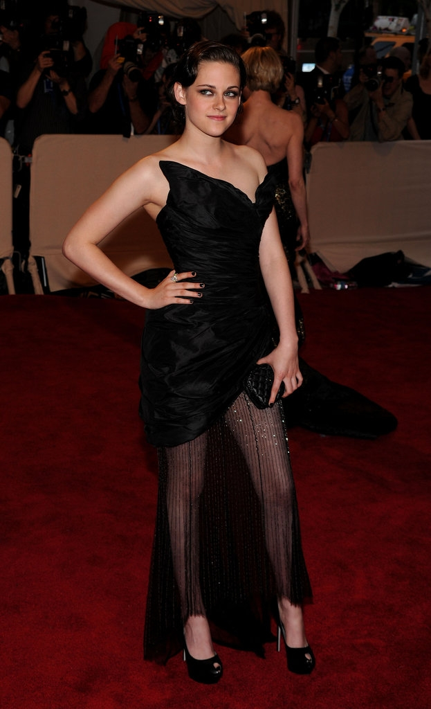 """2010 - Кристе Стјуарт во креација на """"Шанел"""""""