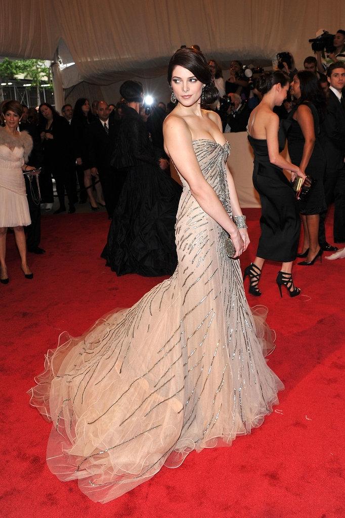 """2011 - Ешли Грин во креација на """"Дона Каран"""""""