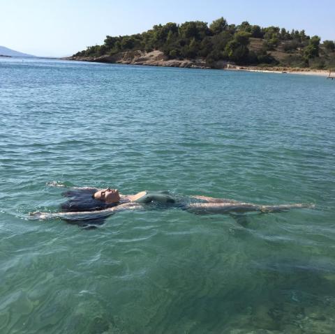 Лили Олдриџ Хидра, Грција