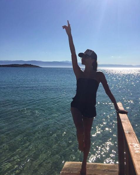 Викторија Бекам Грција