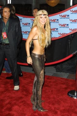 2001 - Шакира