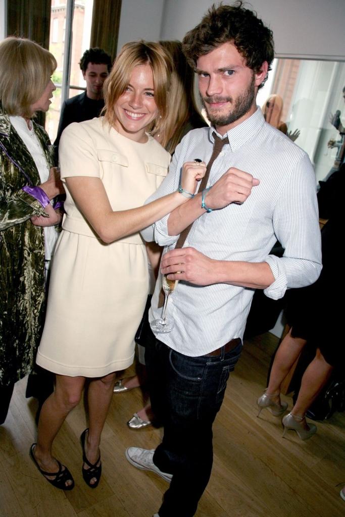 """2007 јуни - со Сиена Мирел на ручек на """"Картие"""" во Лондон"""