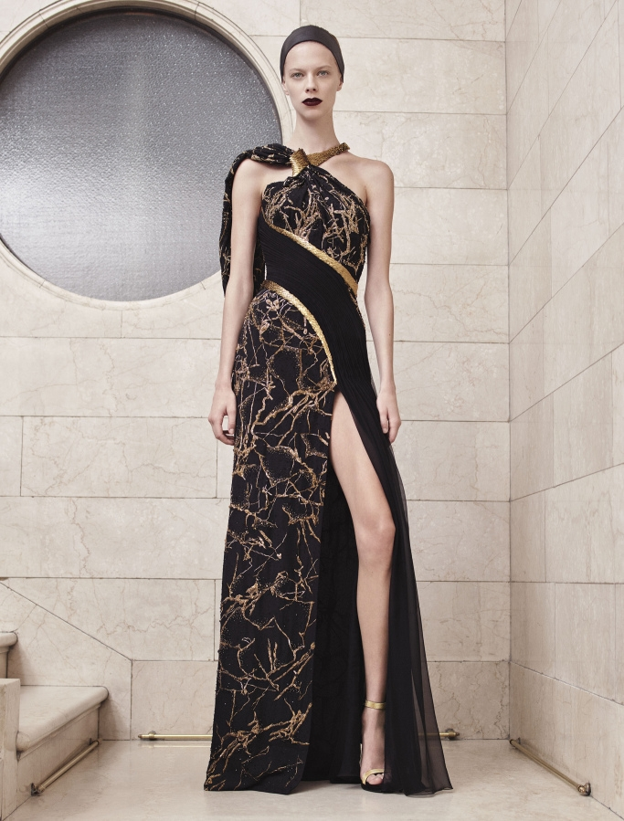 Versace couture fall 17 - фото извор: wwd.com/COURTESY IMAGES