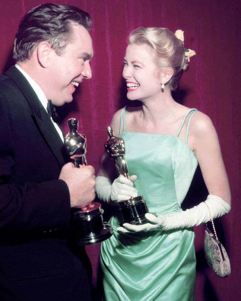 Грејс Кели во Едит Хед, 1955