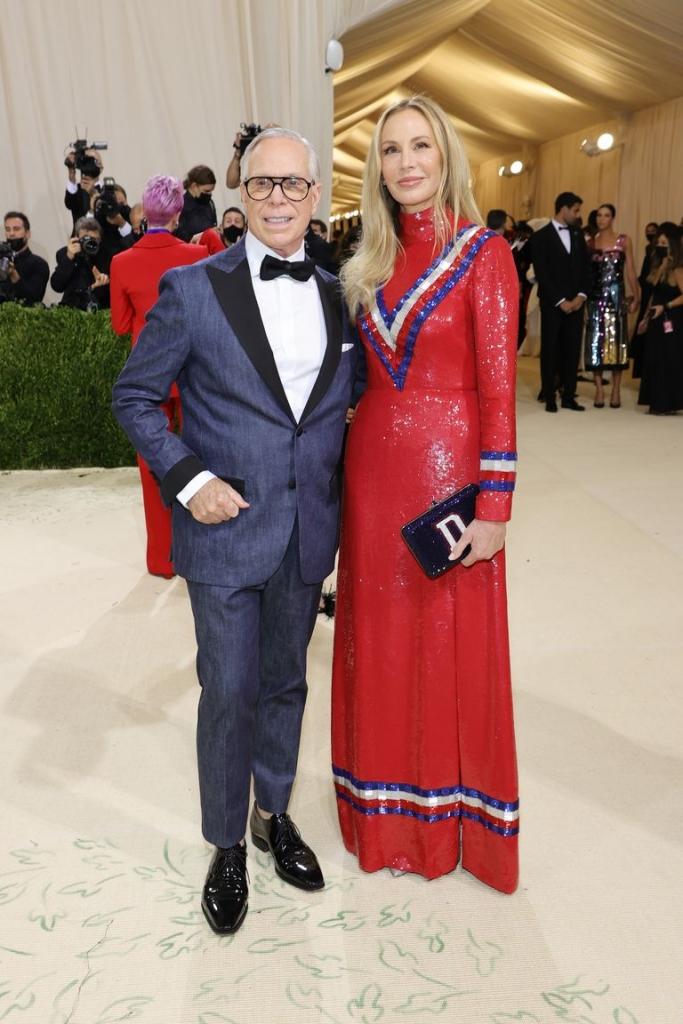 Томи Хилфигер со сопругата