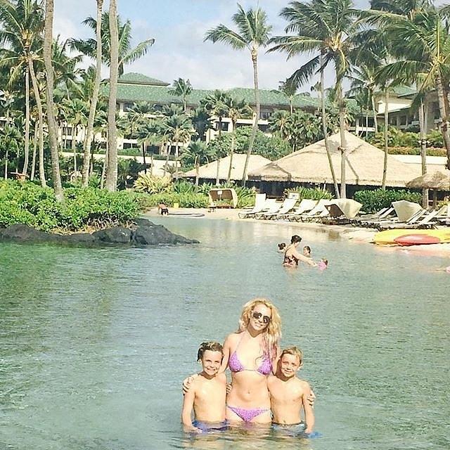 Бритни Спирс ги однесе децата на Хаваи