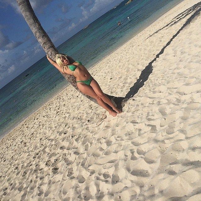 Лејди Гага одмара на Бахамите