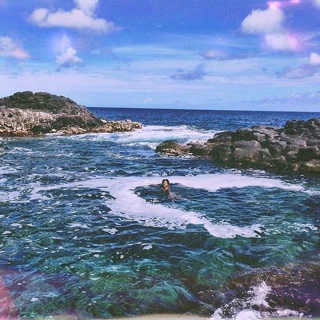 Вилоу Смит се одмора на Хаваи