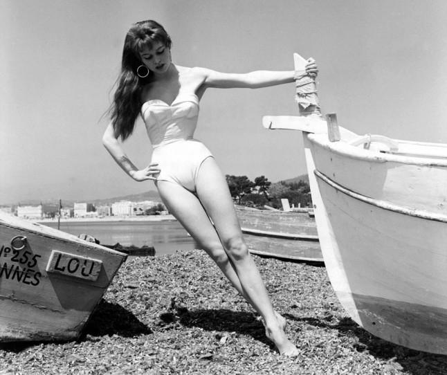 Брижит Бардо, 1953