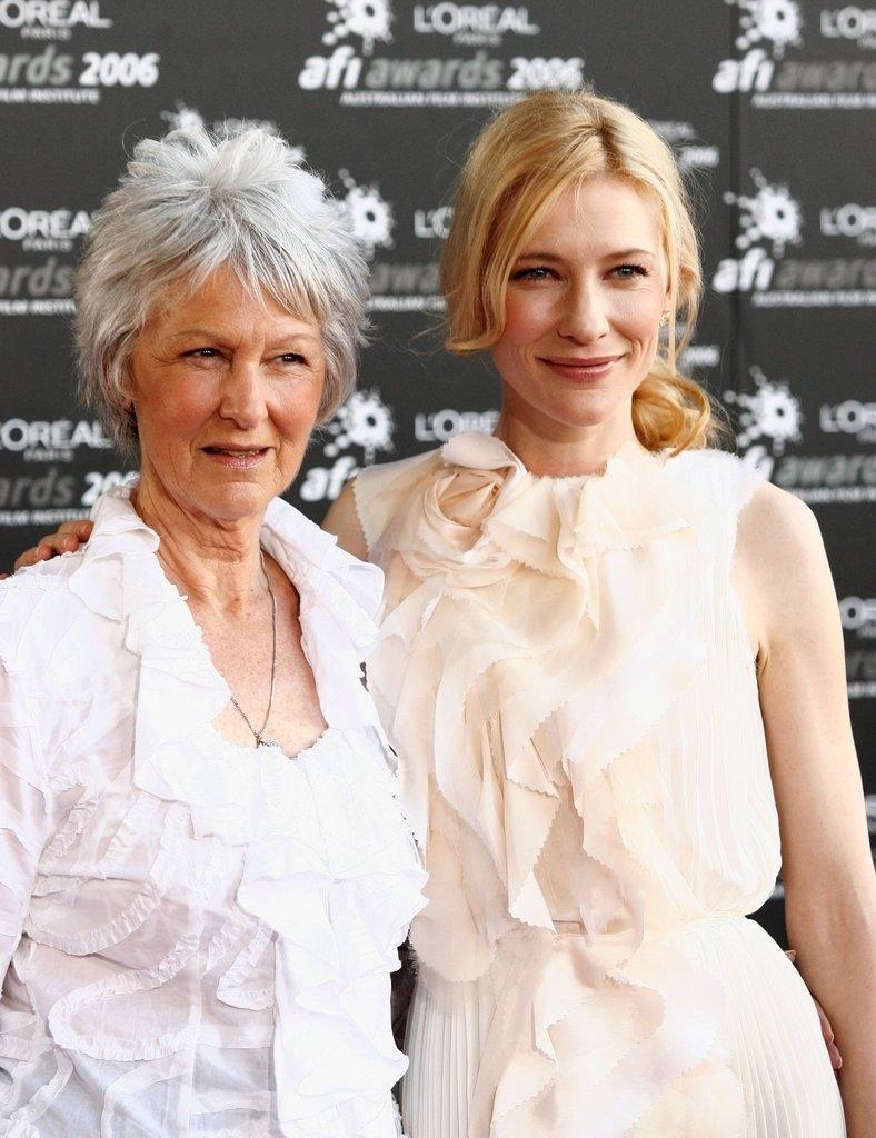 Кејт Бланшет со мајката Џун