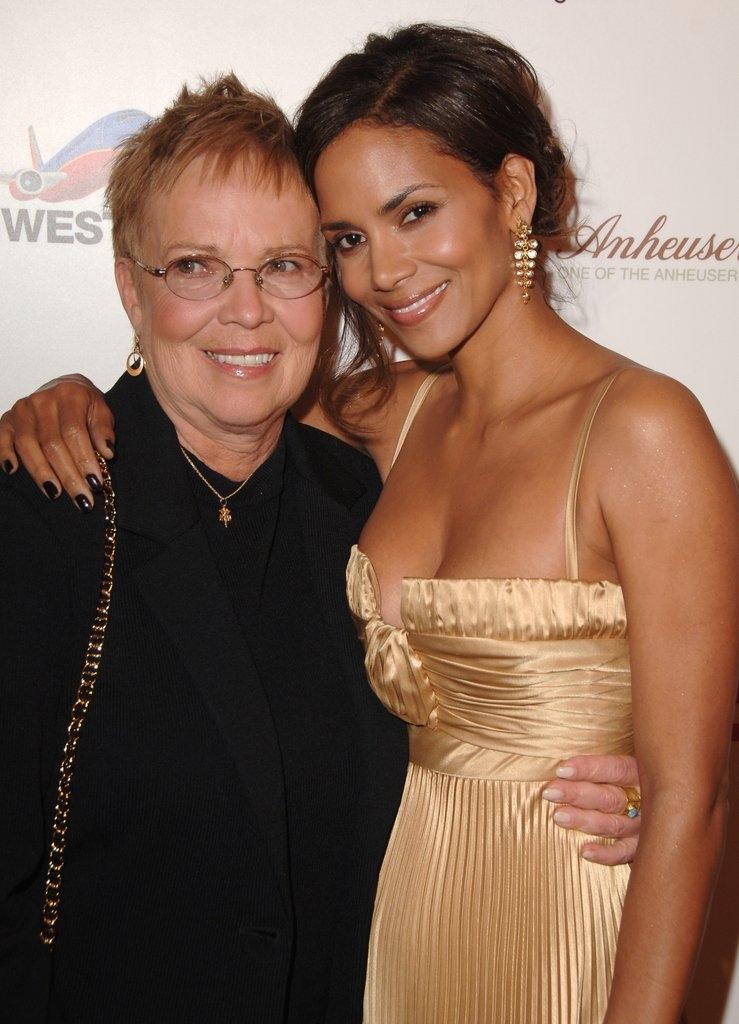Хали Бери со мајката Џудит