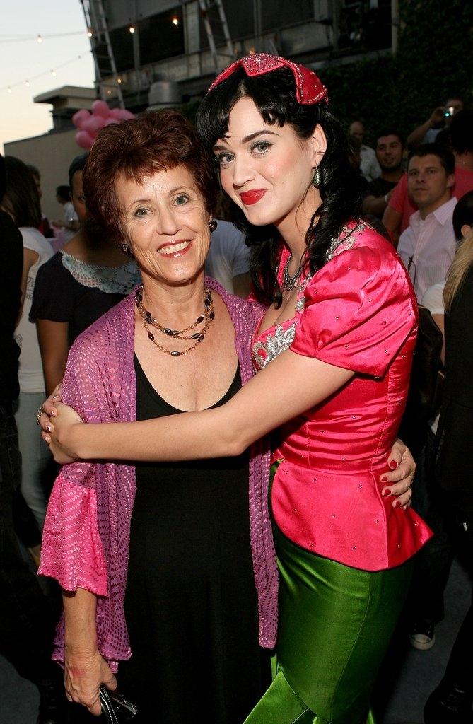 Кејти Пери со мајката Мери