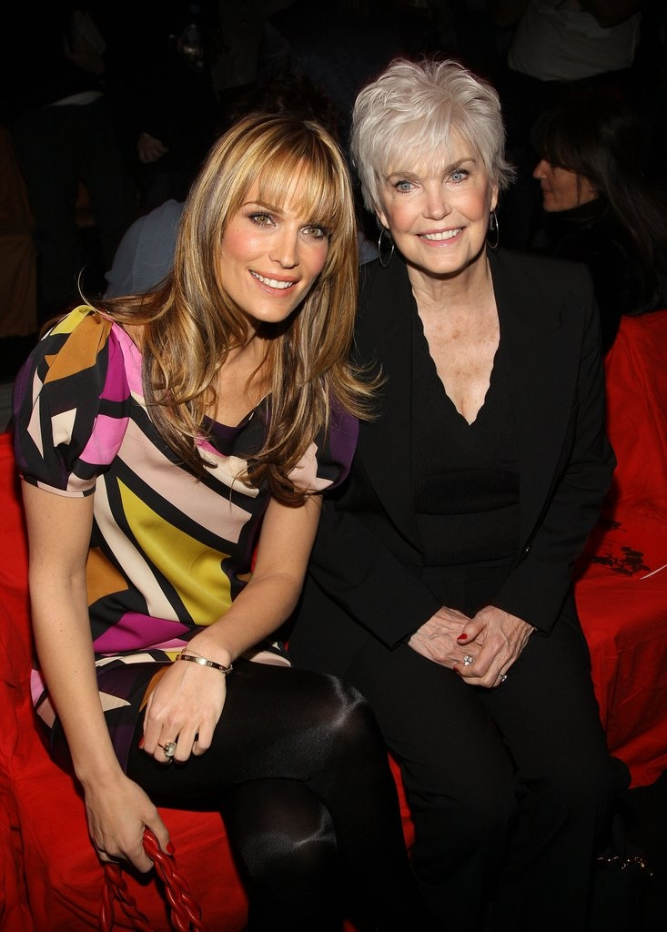 Моли Симс со мајката Дороти