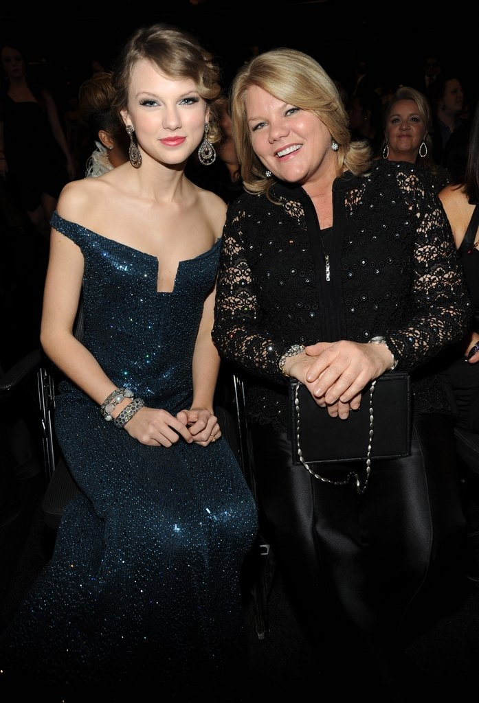 Тејлор Свифт со мајката Андреа