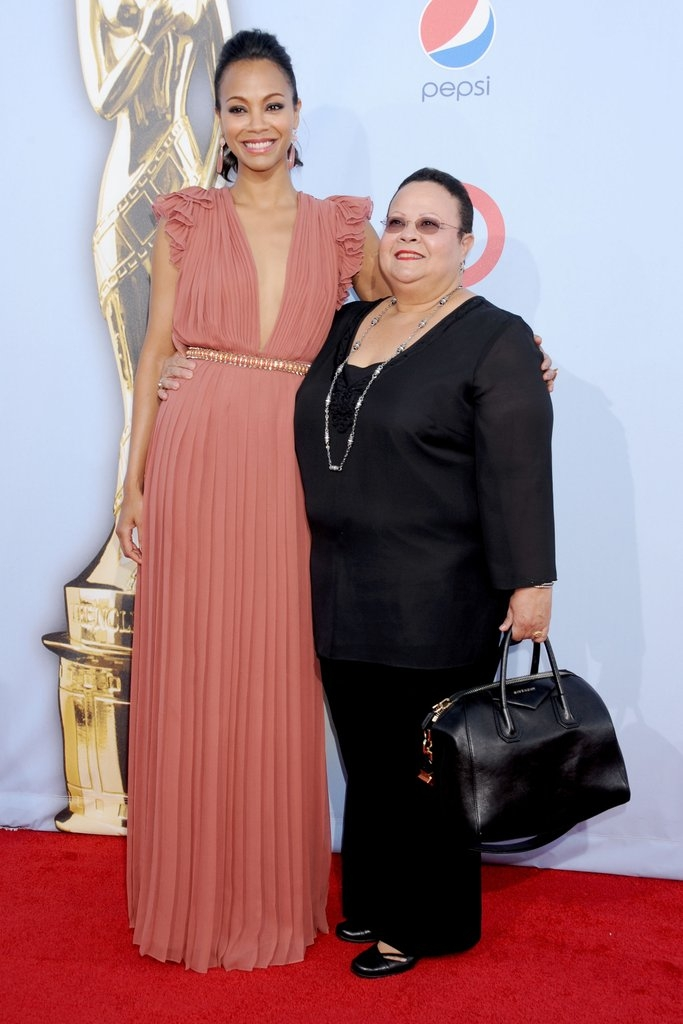 Зое Салдана со мајката Асалиа Назарио