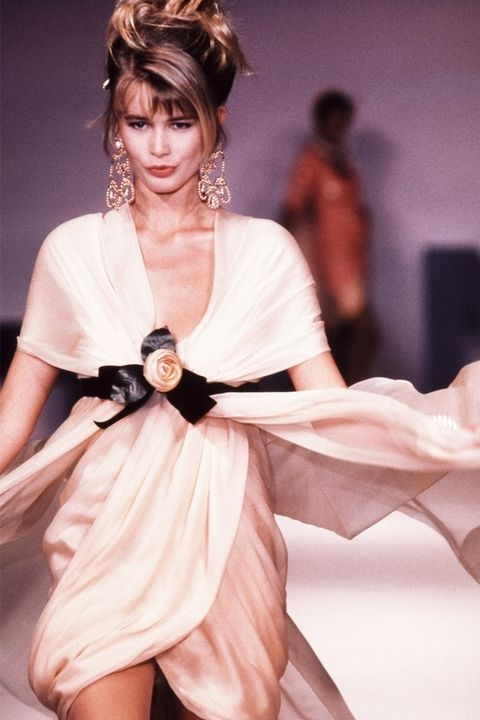 Клаудија Шифер - Chanel Couture 1989