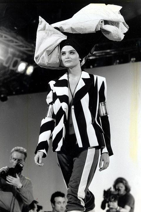 Хелена Кристенсен - John Galliano Spring 1990