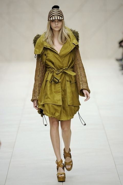 Кара Делевињ - Burberry Spring 2012