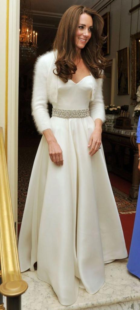 "2011 април, А. McQueen - ""party dress"" за венчавката"