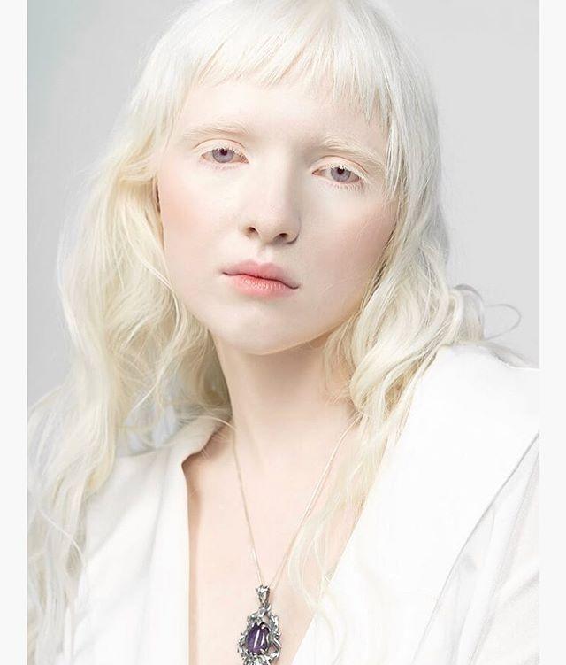 Албино Русинка од Москва - познат топ модел