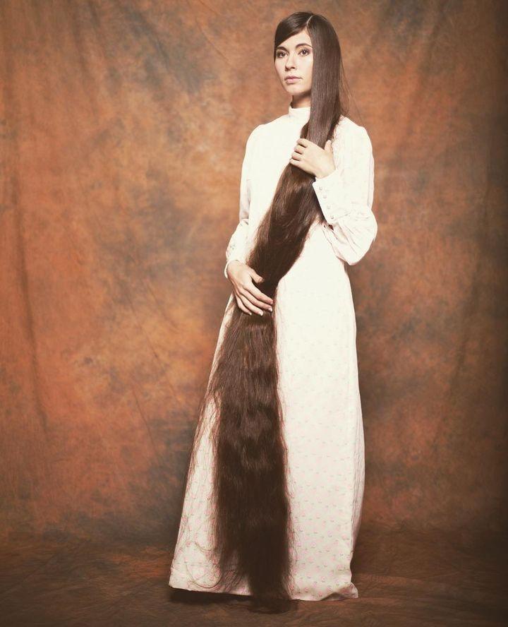 Алија Насирова ја има најдолгата коса во светот - 235 цм