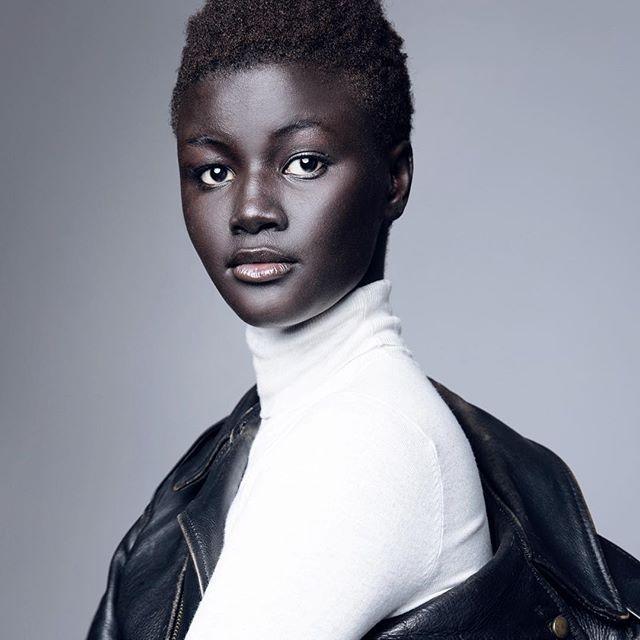 Моделот со најтемна кожа на светот