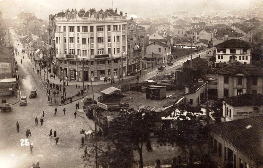 1930 - центарот на градот