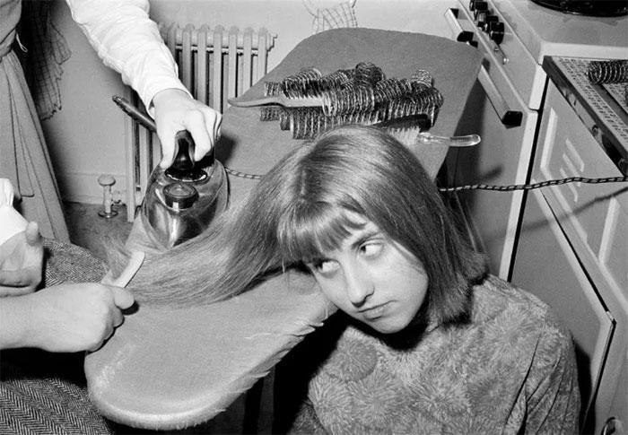 Класика - Пеглање на коса со пегла (1964)
