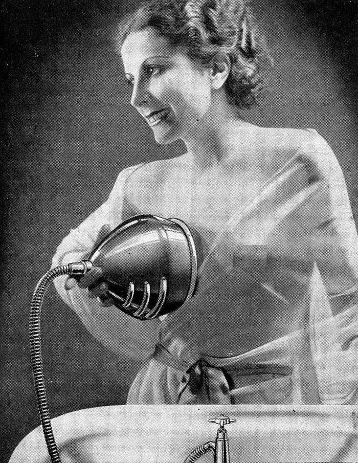 Апарат за миење на дојките, актуелен во 1930-тите