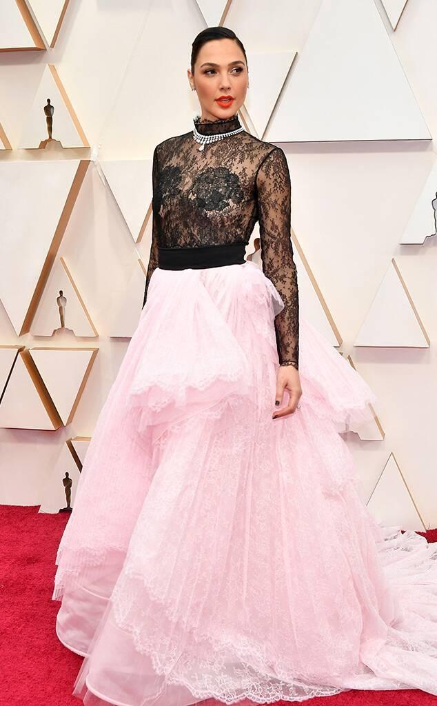 """Гал Гадот во """"Живанши"""" на Оскарите"""