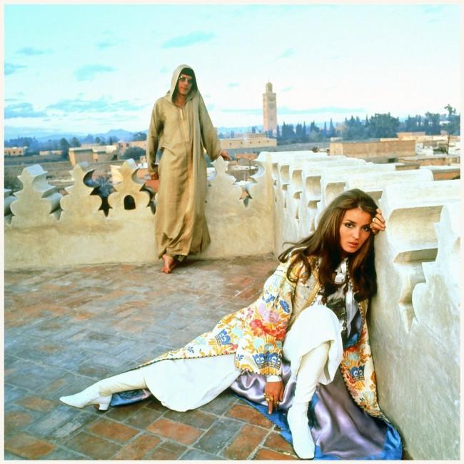Легендарната фотографија на Талита и Џон Пол направена на покривот на нивната куќа во Маракеш во 1969 година