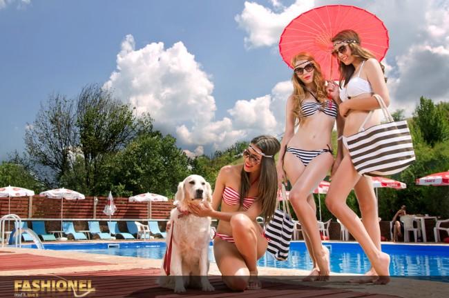 Костими за капење:Miss Spice (1.000ден) Чанти: Miss Spice(400 ден) Ланче: Suiteblanco(390 ден) Очила за сонце: Miss Spice лево(320 ден); средина(500ден); десно(700ден) Украси за коса: Miss Spice (100 ден)