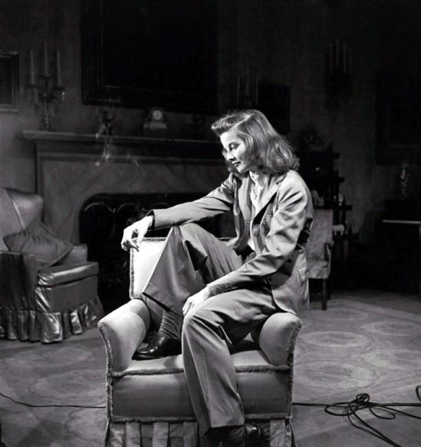 Кетрин Хепберн обожаваше да носи панталони во времето кога не беше вообичаено жените да ги носат