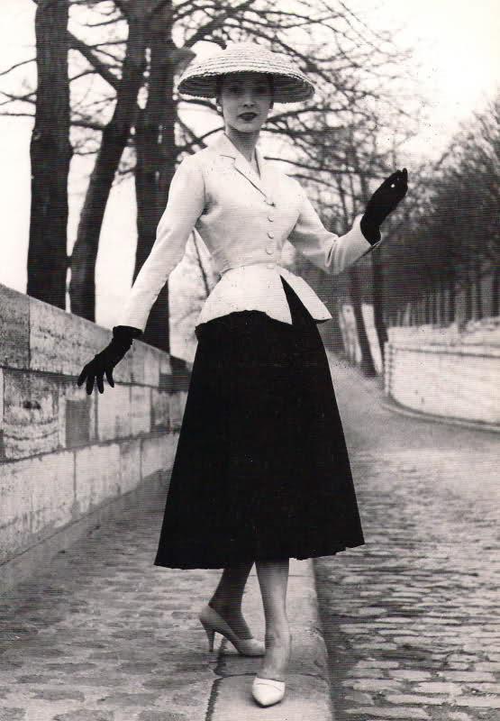 Оваа фотографија одлично го отсликува новиот изглед (1947)