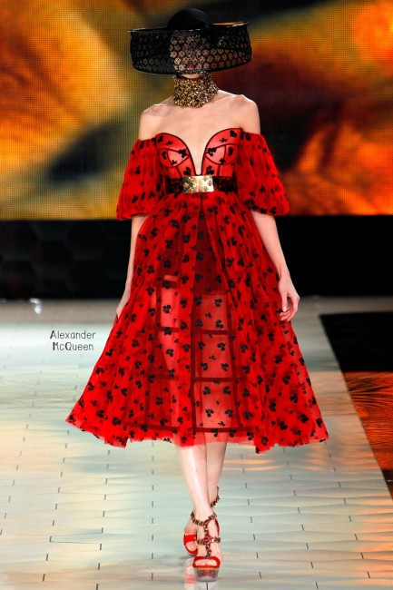 Alexander Mcqueen ready to wear колекција пролет 2013