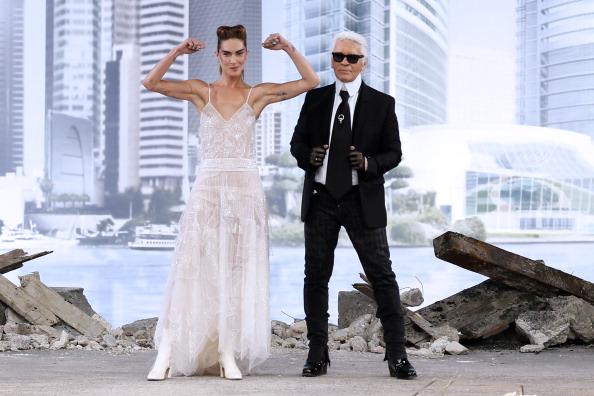 Ерин Васон и Карл Лагерфелд на крајот од ревијата