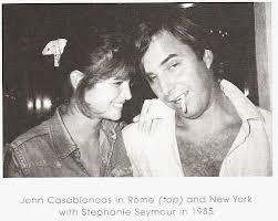 Казабланкас беше критикуван дека ја злоупотребува својата професија за да се забавува со млади манекенки како Стефани Сејмур