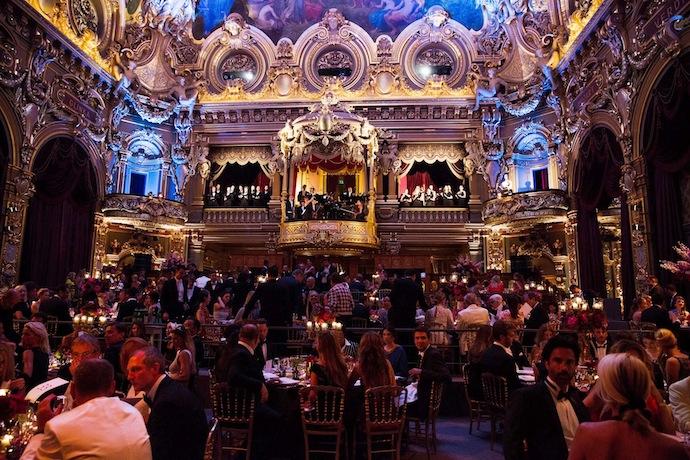 Настанот се одржа во Опера Гарние во Монте Карло