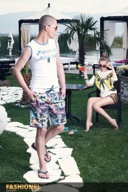 Стефани: Блуза: ADL (1.272 ден.); Куси панталони: ADL (1.112 ден.); Очила за сонце: Miss Spice (700 ден.); Даниел: Маица: DeFacto (699 ден.); Бермуди: DeFacto (1.199 ден.); Очила за сонце: Miss Spice (700 ден.);