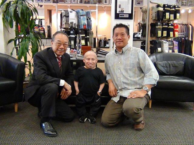 Jimmy Au's Men 5'8 and Under, Беверли Хилс Калифорнија