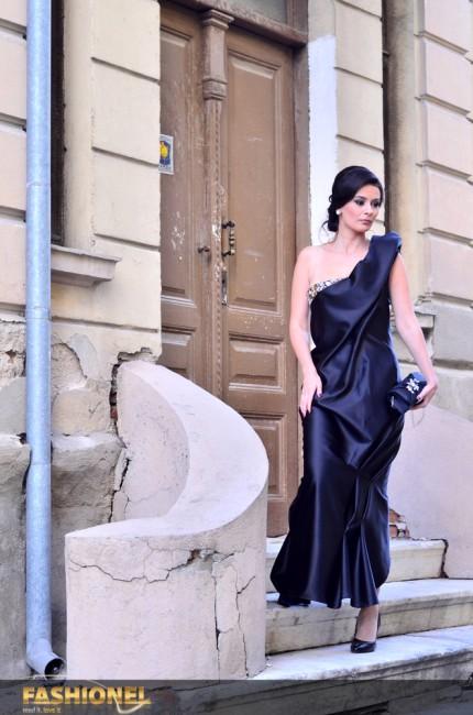 Актерката Драгана Левенска изгледаше отмено во креација на Елена Лука